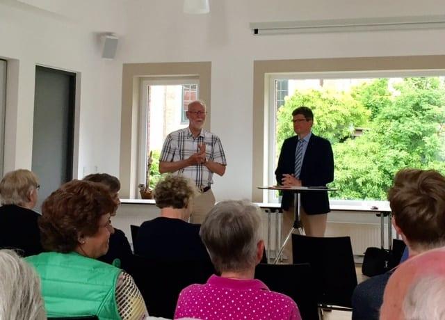 """Caritasdirektor Loth referiert zum Thema """"Der älter werdende Mensch"""" beim ökumenischen Gemeindeabend in Neuenhaus"""