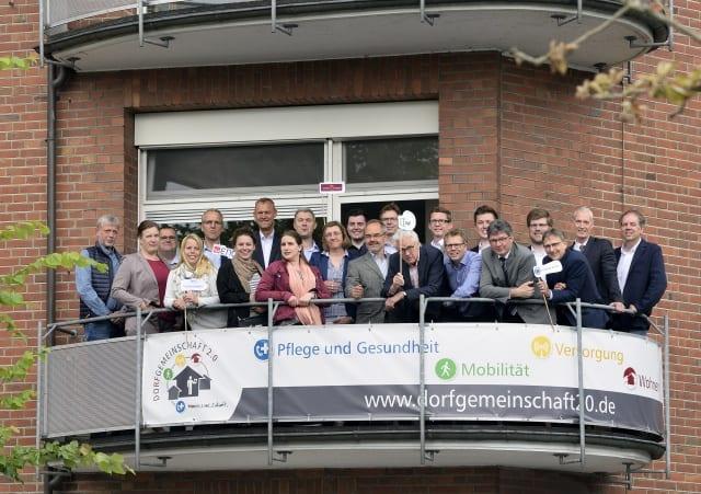 """Verbundpartner der Dorfgemeinschaft 2.0 feiern mit Nachbarn des neuen Wohnquartiers """"Am Marienpark"""" Geburtsstunde der künftigen Zentrale"""