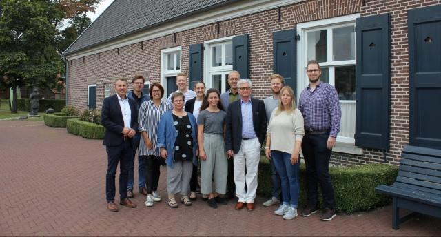 """""""Dorfgemeinschaft 2.0 ein professionelles Netzwerk"""""""